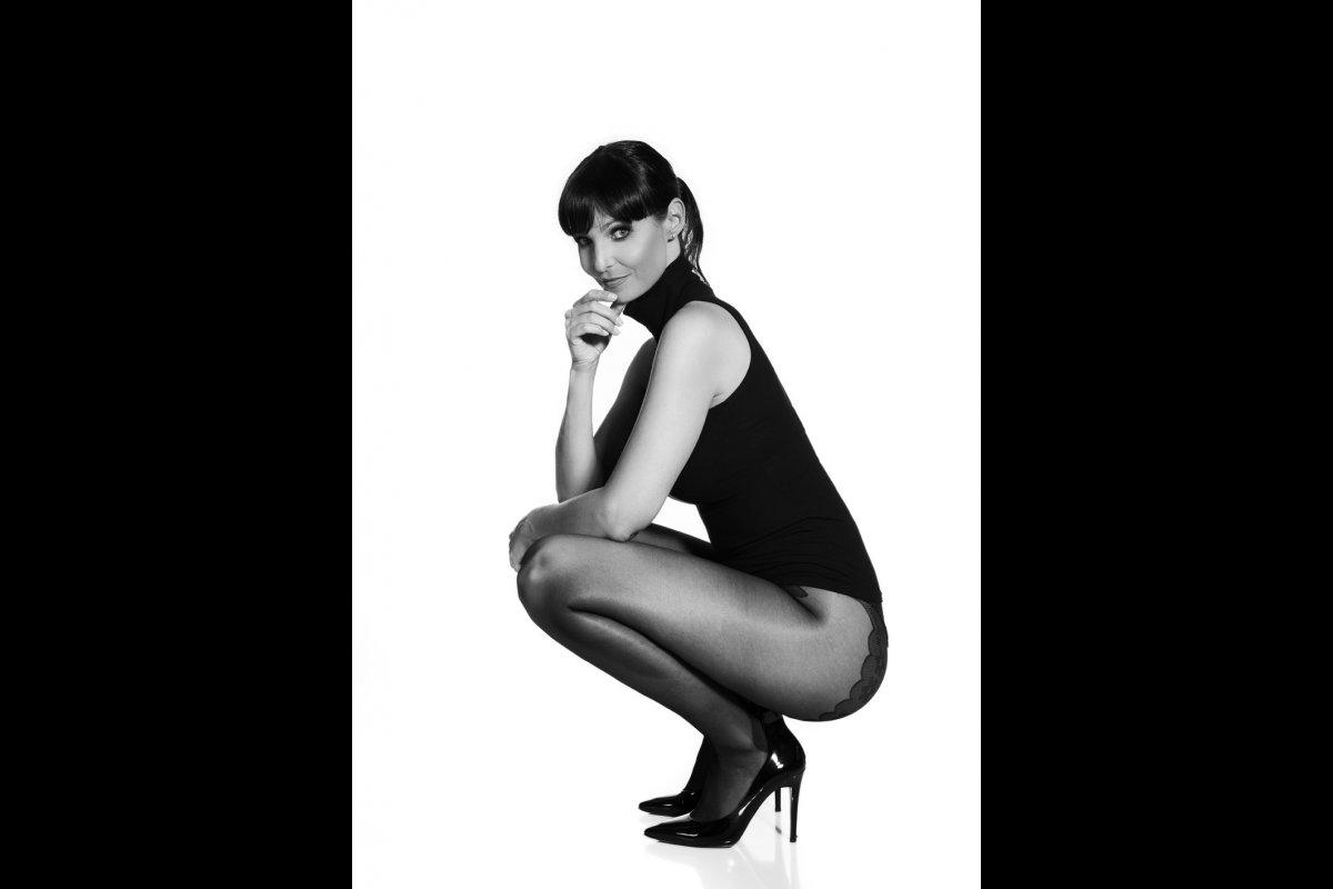 0003-Anita Buri Fashion