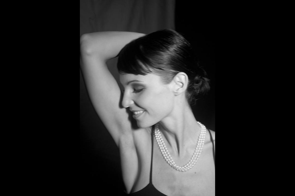 10-Anita Buri Beauty