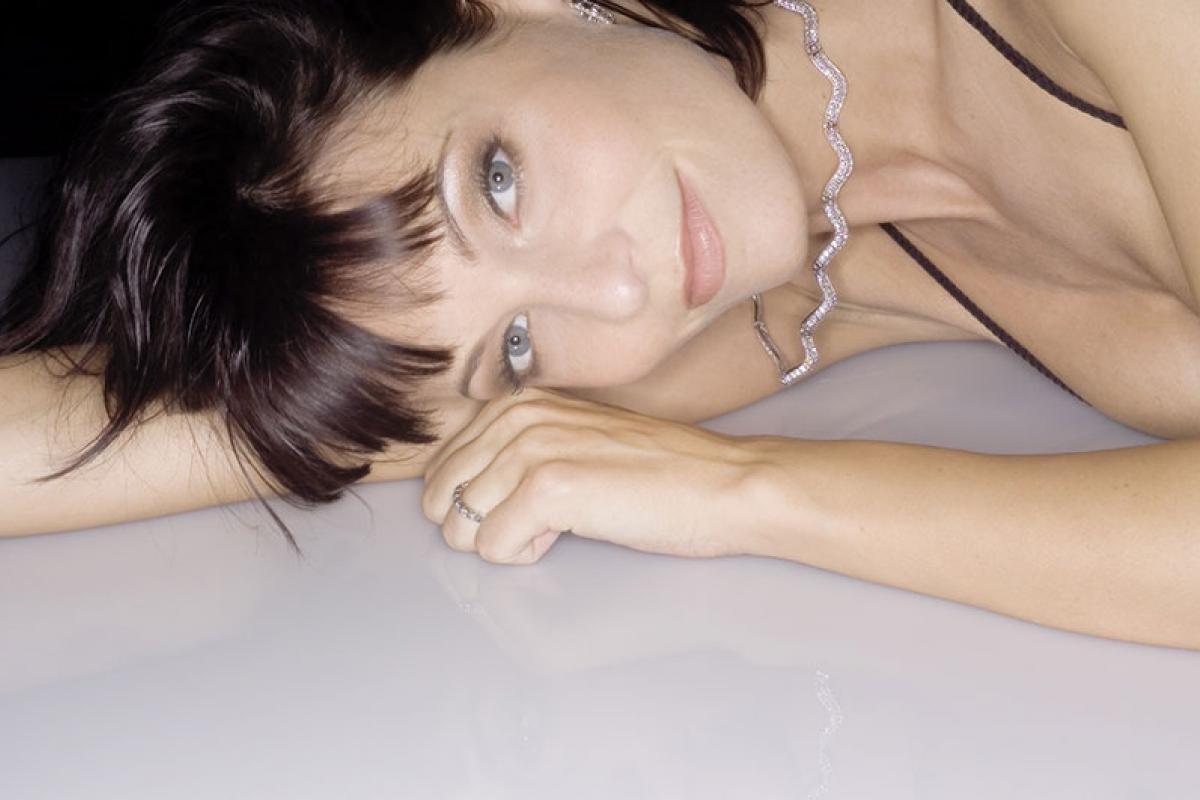16-Anita Buri Beauty