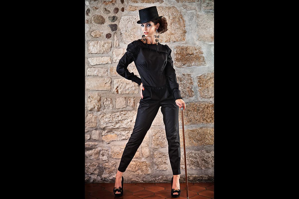 12-Anita Buri Fashion