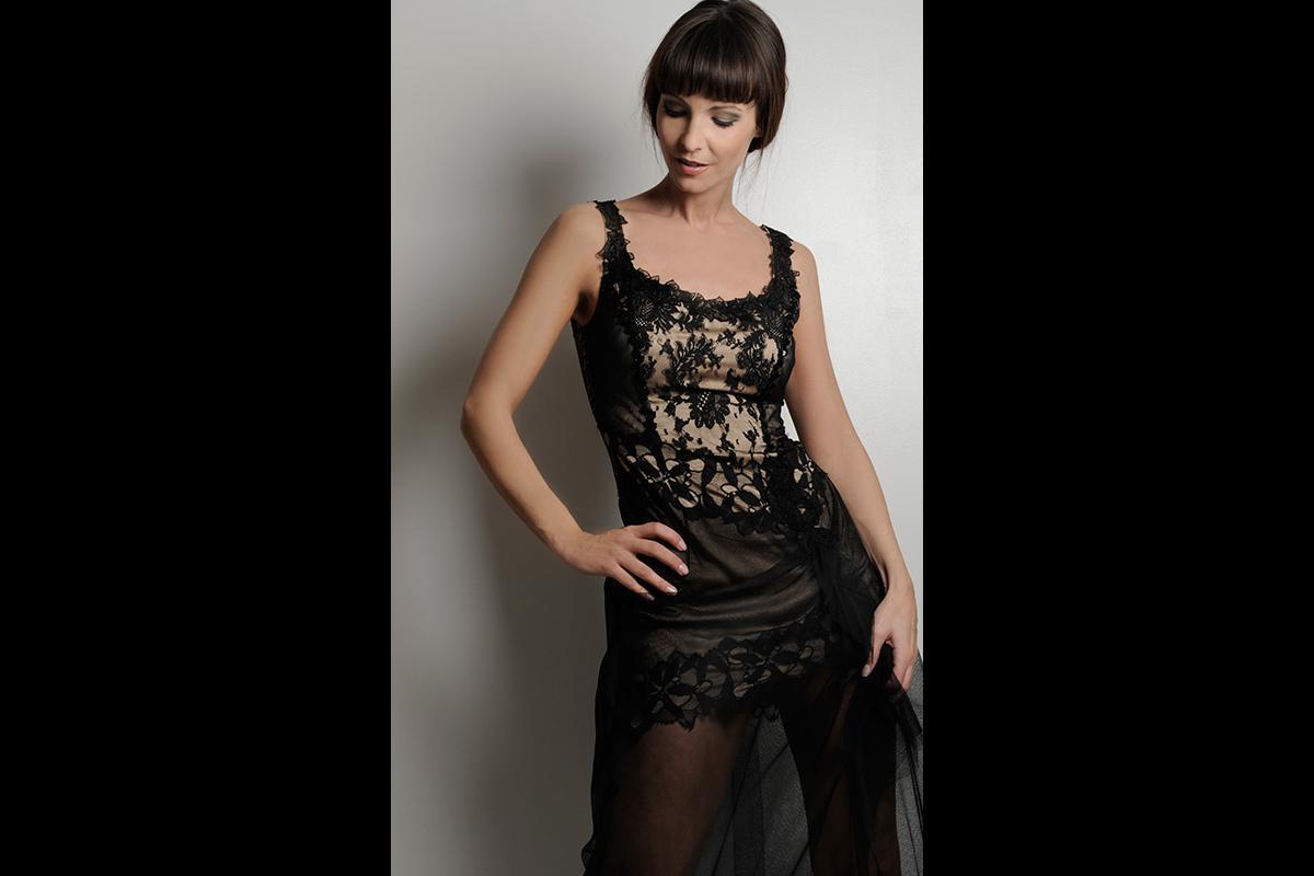 28-Anita Buri Fashion