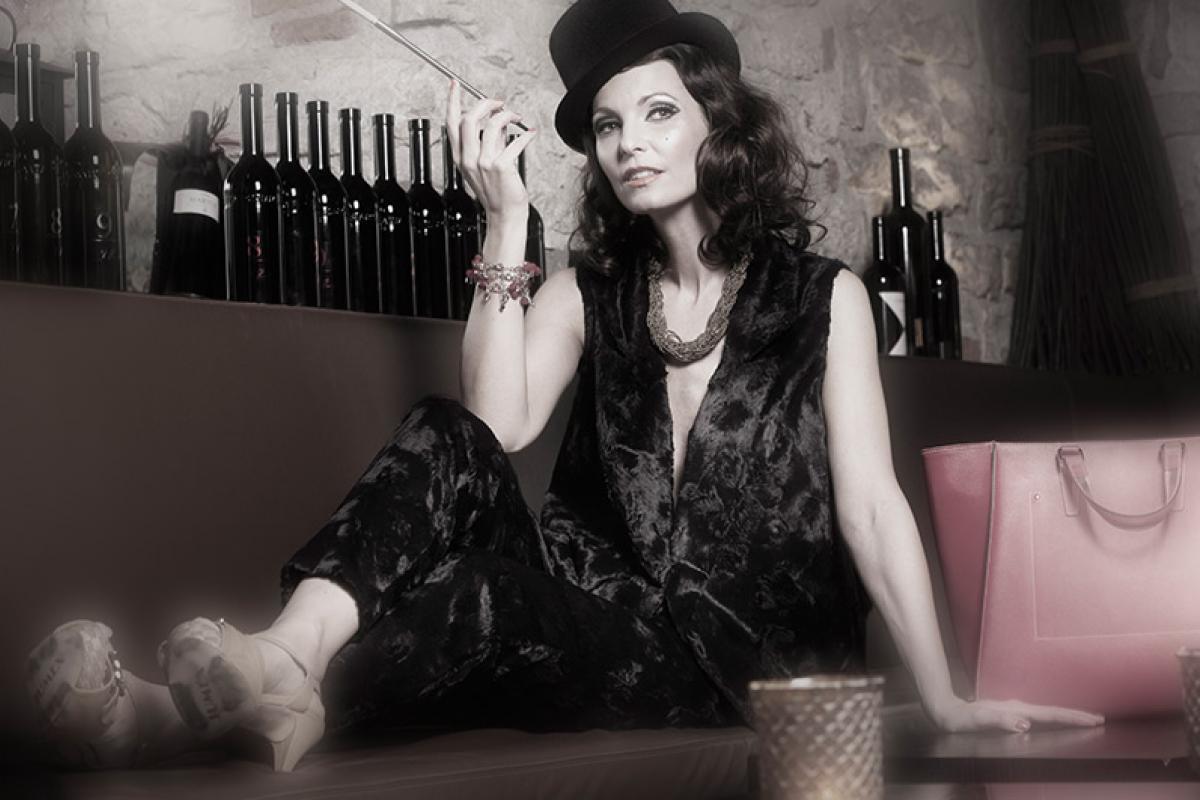 02-Anita Buri Fashion