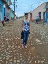 Anita Buri auf einer typischen kubanischen Wohnstrasse